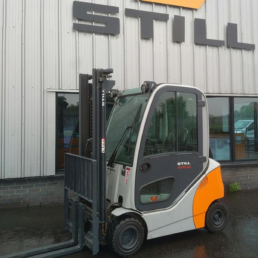 location chariot élévateur thermique 2 tonnes STILL RX70-20 3m - 1