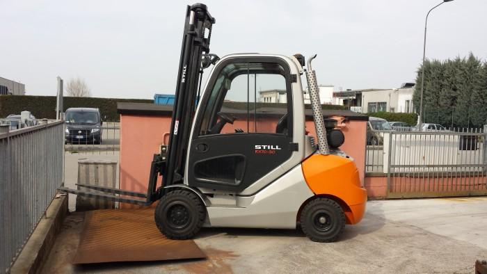location chariot élévateur thermique 3 tonnes STILL RX70-30 4m - 1