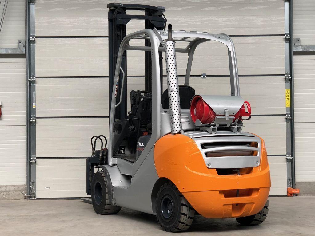 location chariot élévateur 3 tonnes STILL RX70-30 6m - 1