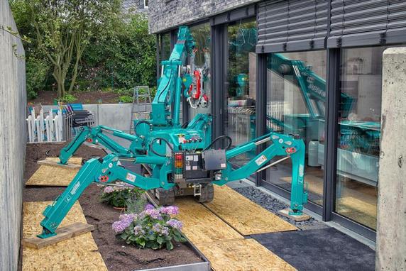 Location mini grue araignée 3 tonnes MAEDA MC 285 - 1